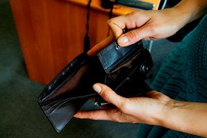 Случай 2. Проверка на полиграфе подозреваемых по хищению денег из кабинета директора.